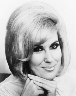lens18531562_1316214278Dusty_Springfield_Hit_Son