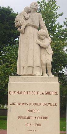 220px-Monument_aux_morts_d'Equeurdreville