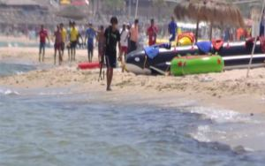 BN22857Terroriste-plage (1)